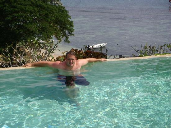 Taveuni Island Resort & Spa: Me in the swimming pool!
