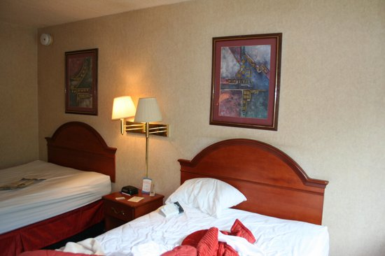 Days Inn Port Jervis:                                     For $163 a night, you too can enjoy the sleazy ambience...