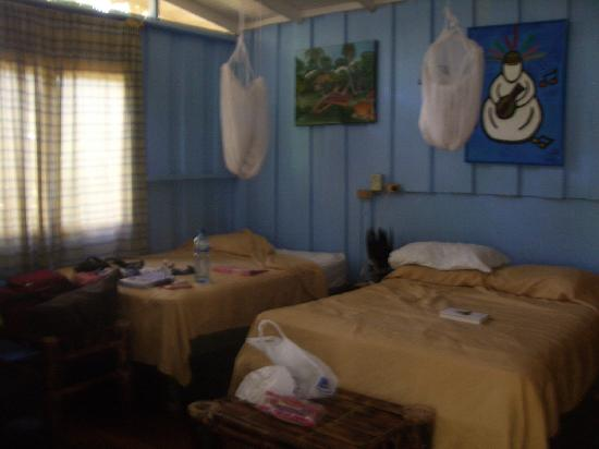 Playa Chiquita Lodge: Bungalow 3 w/ Mosquito Nets