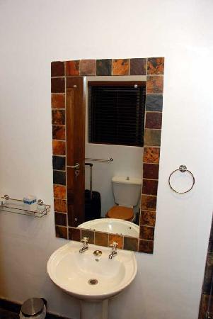 The Tarragon: Bathroom sink