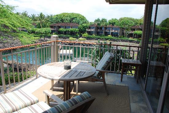 Four Seasons Resort Hualalai: deck area