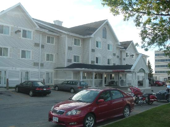 Country Inn & Suites By Carlson, Winnipeg, MB: Front view