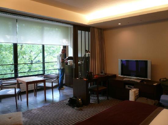 Hyatt Regency Hakone Resort and Spa: A real veranda ! Really