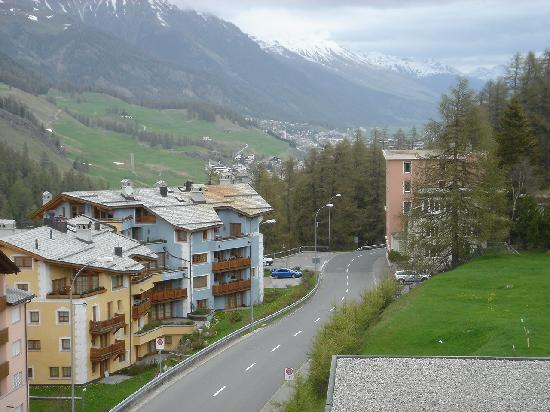 Hotel Baeren : From the bedroom - mountain views