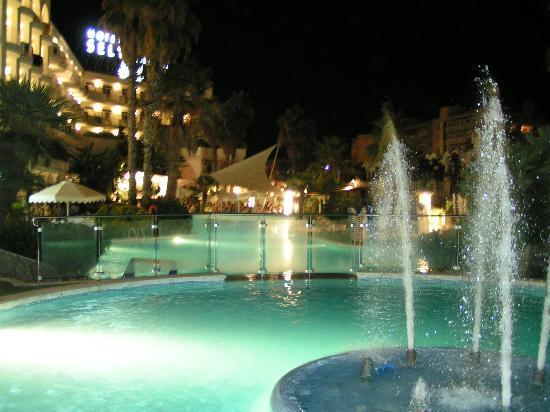 Hotel Marina Sand: Hotel le soir