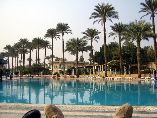 Vue de la piscine picture of cataract pyramids resort for La piscine review