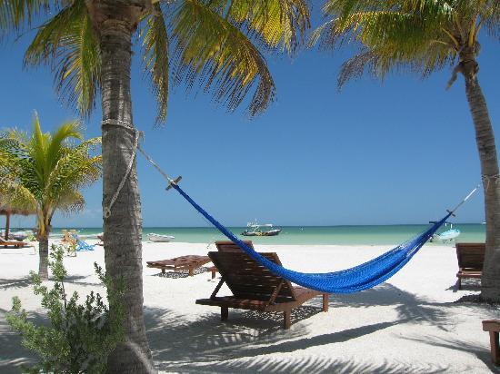 Holbox Hotel Mawimbi: The beach @ Mawimbi
