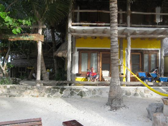 Holbox Hotel Mawimbi: The entrance from the beach