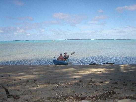 Aremango Guesthouse: kayaking in the lagoon