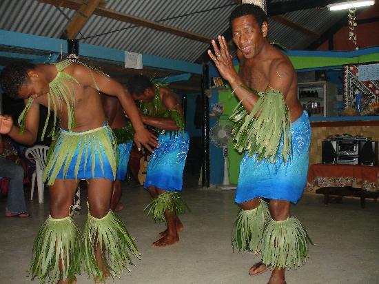 Coconut Bay Resort: After dinner dancing