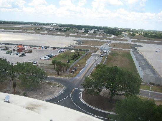 Tampa Airport Marriott: View of construction from my room