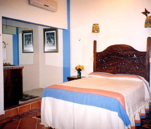 Huatulco Bed and Breakfast : Bedrooms designed to the last detail
