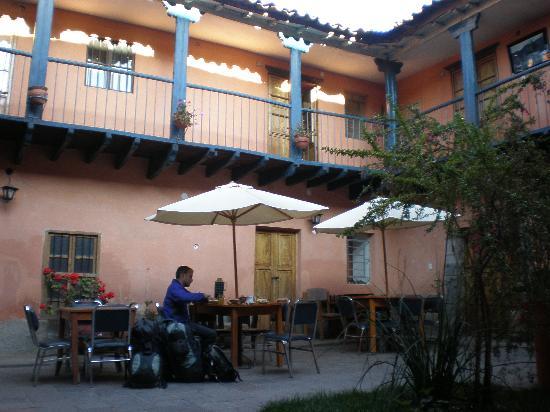 Qorichaska Hostal: The Courtyard