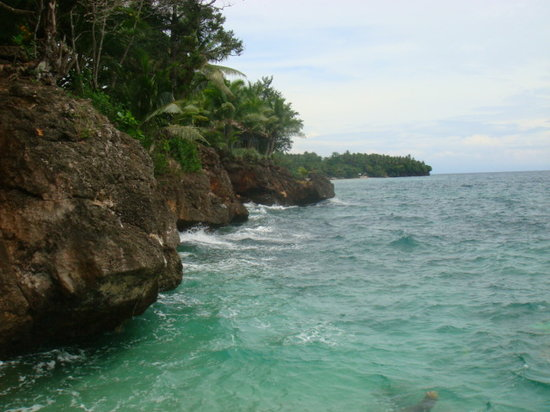 Mindanao, Filipiny: This is the pristine Beach of Midway, Initao