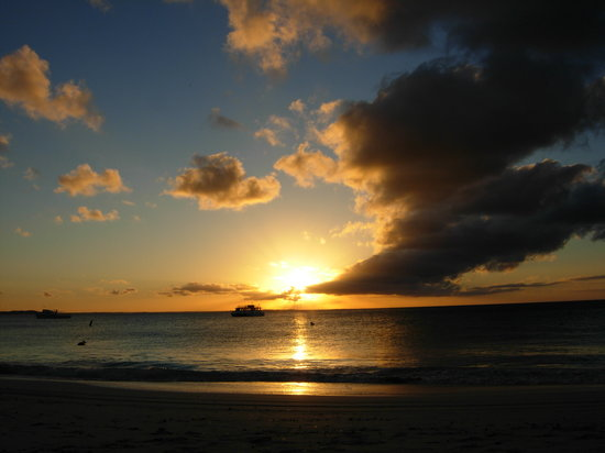 Turks-en Caicoseilanden: tramonto on grace bay