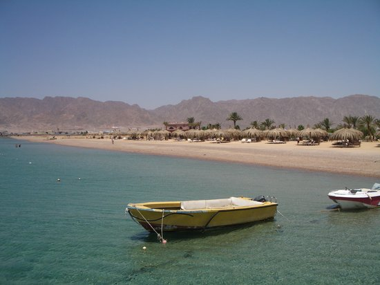Nuweiba, Egypten: beach at the resort