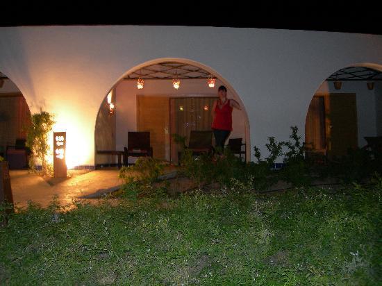 فندق لي ميريديان ذهب: Room at night