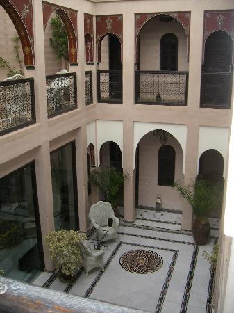 Riad Dar Anika: The courtyard