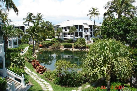 Sanibel Cottages Resort: Pond