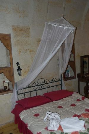 Heaven Cave House: our bed