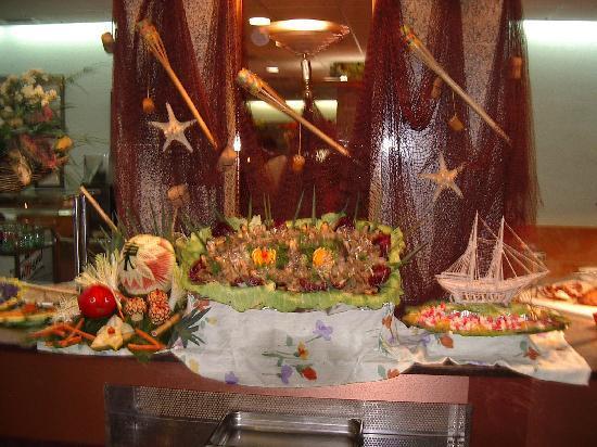 TUI Family Life Avenida Suites: The Fish stand