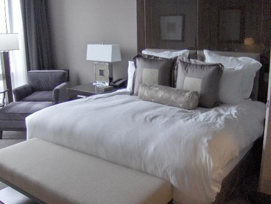 Trump International Hotel & Tower Chicago: Comfy bed