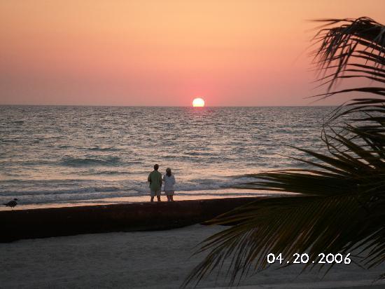 Seaside Beach Resort: Taken from the patio