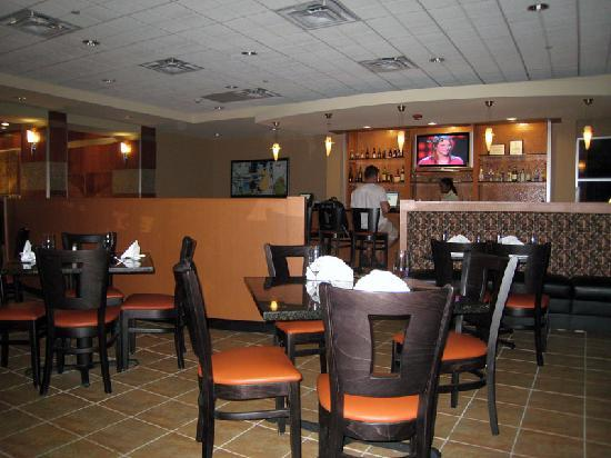 Holiday Inn Hotel & Suites, Williamsburg-Historic Gateway: Bistro 515 restaurant