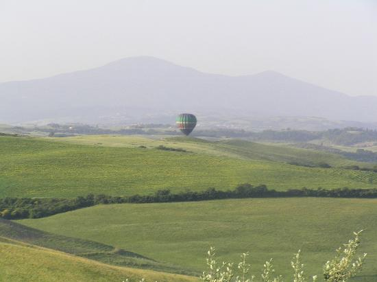 Agriturismo Bellavista: the view from bellavista with a bunus