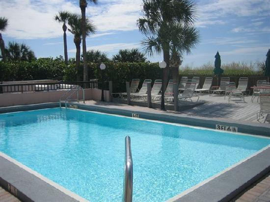Gulf Gate Resort : On site pool