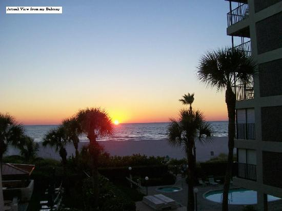 Gulf Gate Resort: Sunset view from theBalcony of Suite #204