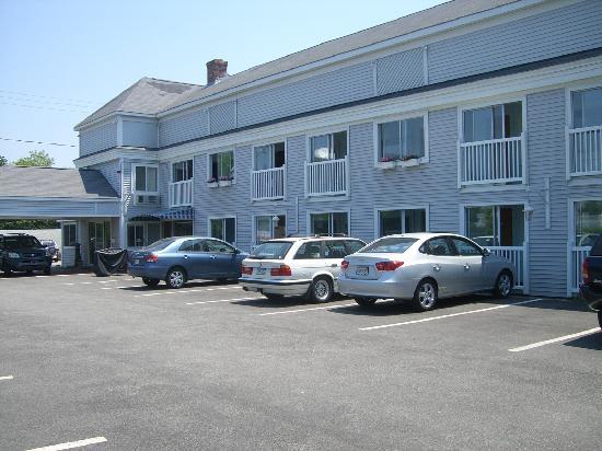 SeaCoast Inn: Sea Coast Inn Outside