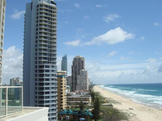 Beachfront Viscount: View from rooftop looking north
