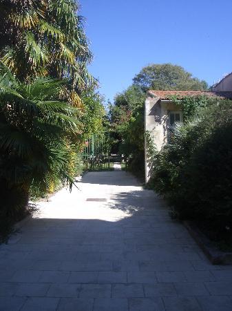 La Baronnie Hôtel & Spa : hotel garden