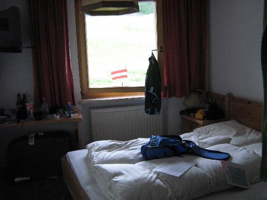 Gasthof Batzenhäusl: bedroom 104
