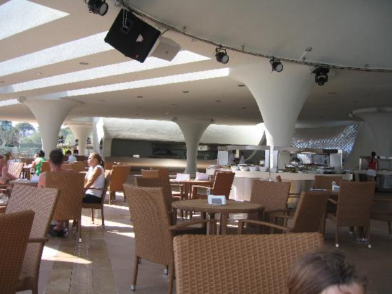 Cornelia Diamond Golf Resort & Spa: Dome restaurant