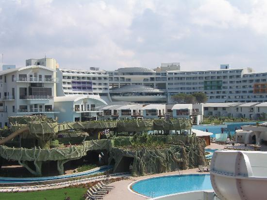 Cornelia Diamond Golf Resort & Spa: View of complex