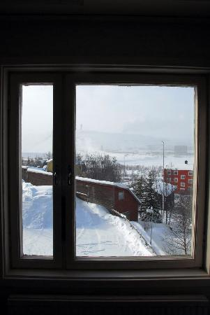 Hotel Kebne: window.JPG