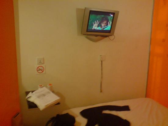 StayOrange . com Hotel: TV