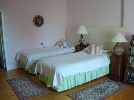 Mount Rivers B&B: Bedroom adjacent to childrens-Very Large