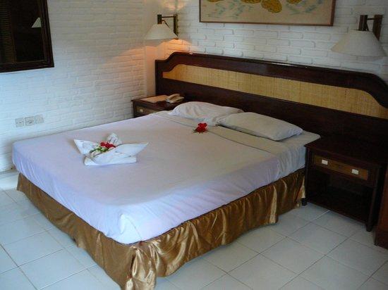Champlung Mas Hotel: Bedroom