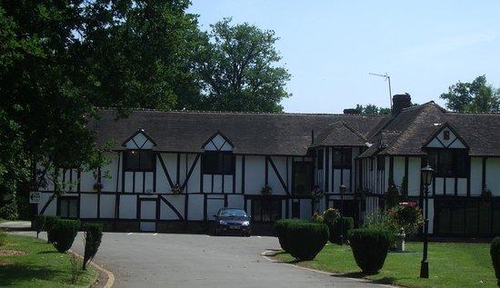 Regency Hotel Gatwick: The hotel