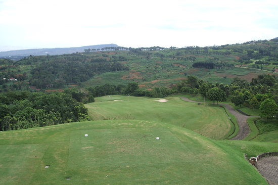Gunung Geulis Country Club