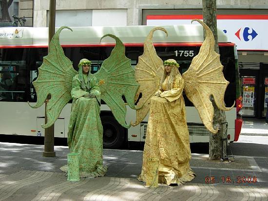 Citadines Ramblas Barcelona: La Ramblas Statues