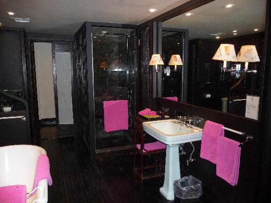 China Club: the bathroom