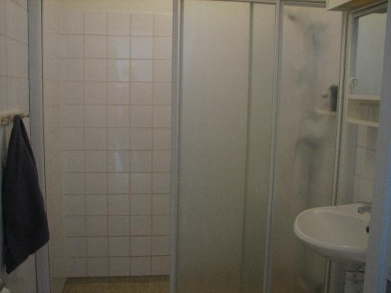 Parlan Hotell: bathroom