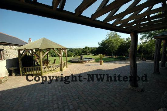 Boslinney Barn: Gardens