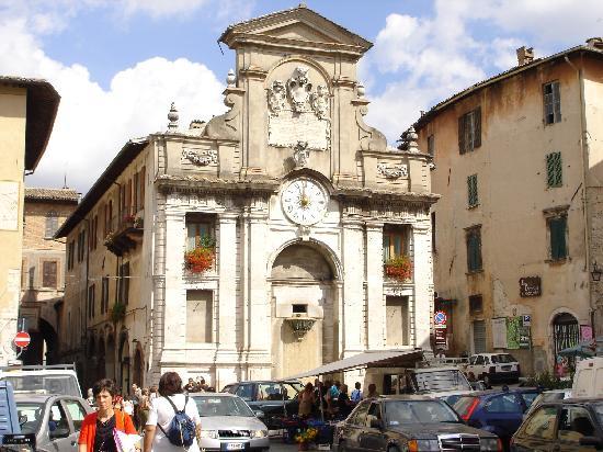 water fountain-Spoleto style