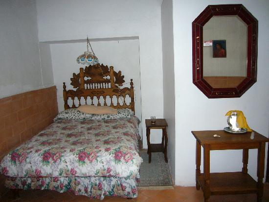 Casa Carmen: Full size bed