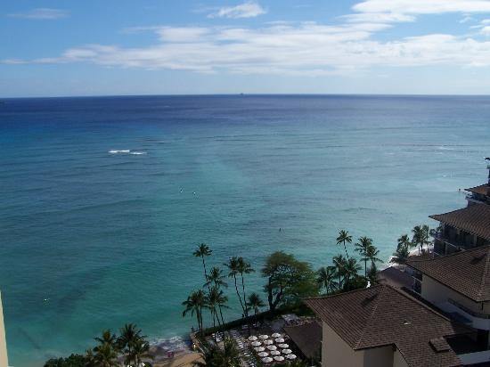 Waikiki Parc Hotel: View from 2201 lanai...001